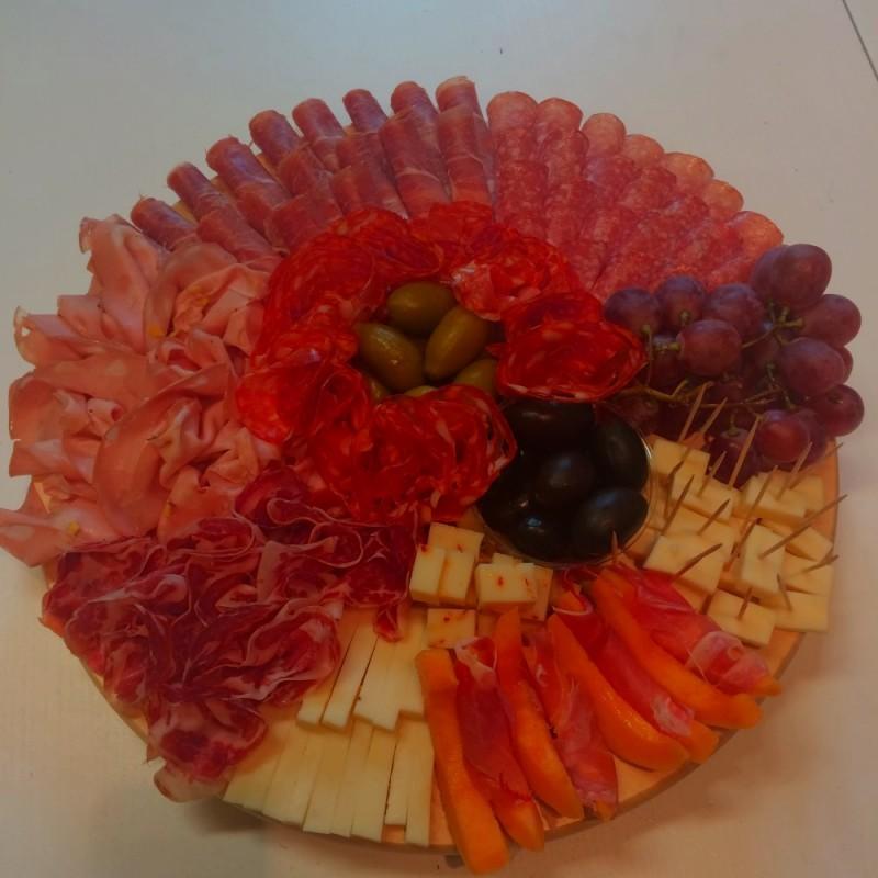 deski wędlin i serów